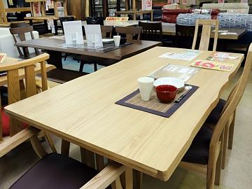 王の食事テーブル